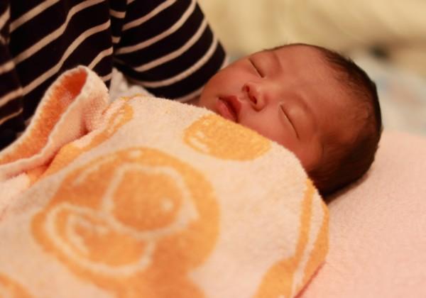新生児赤ちゃんの寝かしつけ